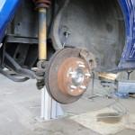 hinten rechts neue Radnarbe und Bremse
